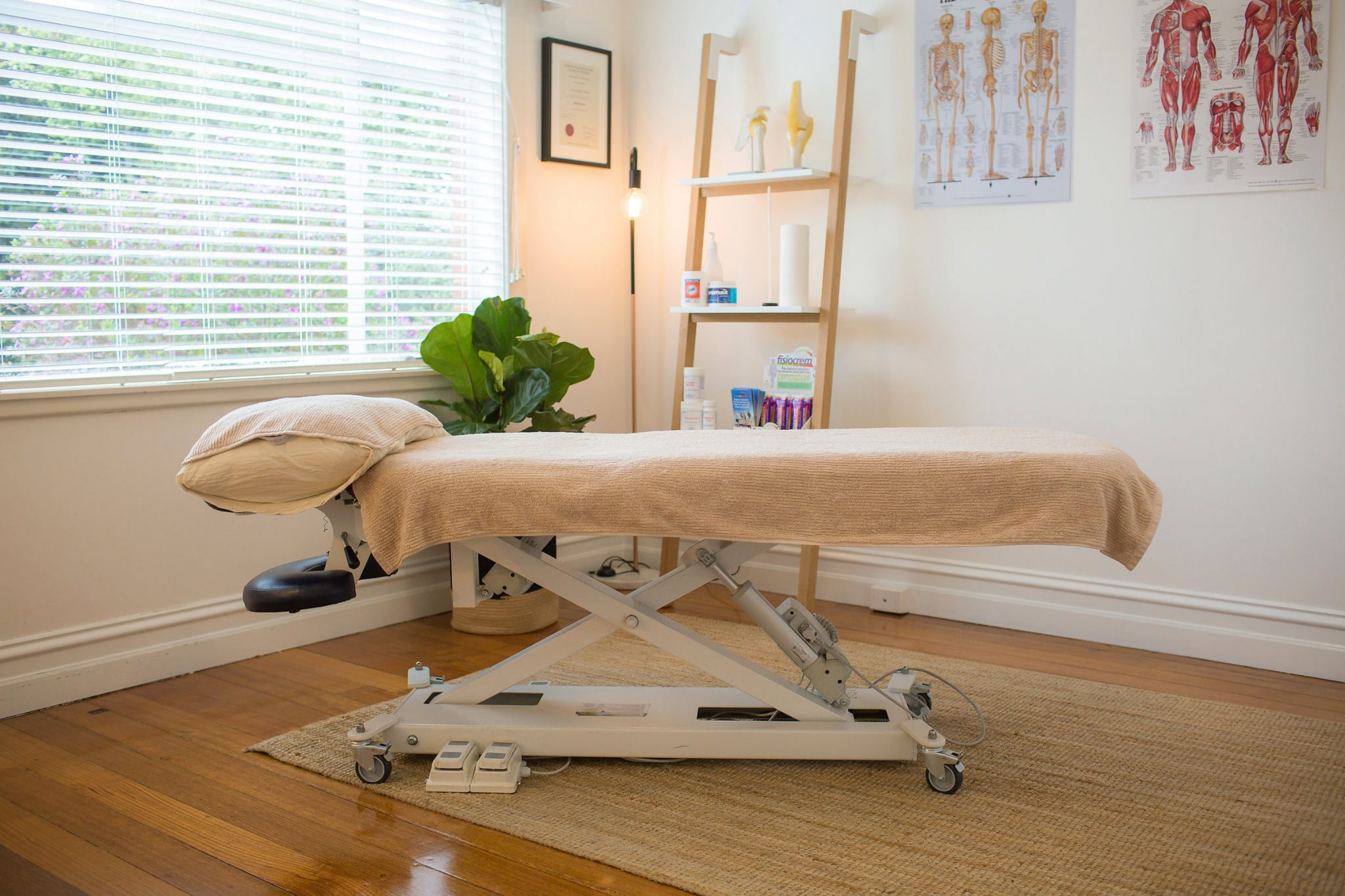 Holistic-Bodyworks-Treatments-Nicola-Shelton